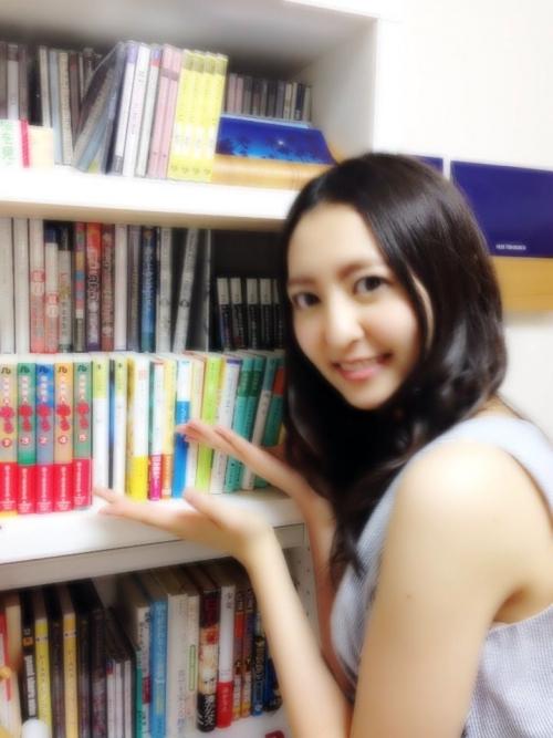 【悲報】HKT48森保まどか(16歳) 自宅の本棚にPC版GTA(18禁殺人ゲーム) →批判殺到wwwwwwww