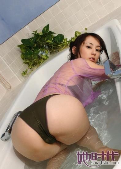 """お尻がコンプレックスだった""""オシリーナ""""こと秋山莉奈(28)"""