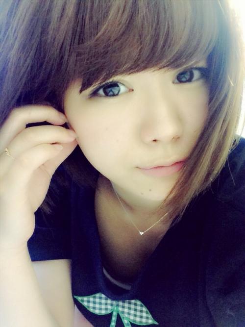 【SKE48】山内鈴蘭(19) ブログの自撮り写真に乳首が映り込む事故? → 山内「写真を拡大したり明るくするのはやめて!」ファンに警告