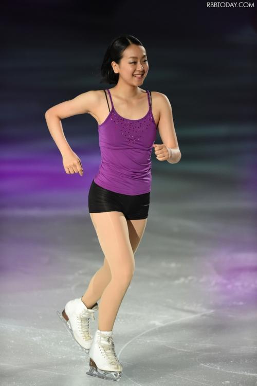 浅田真央選手がショートヘアに、アイスショーで観客魅了…「短くしたのは3歳の時以来。すごく楽」