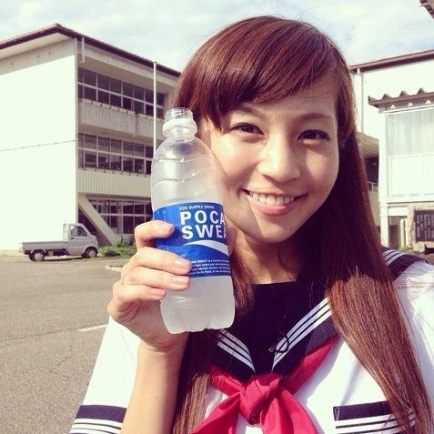 安田美沙子が「セーラー服姿」をブログで披露し反響