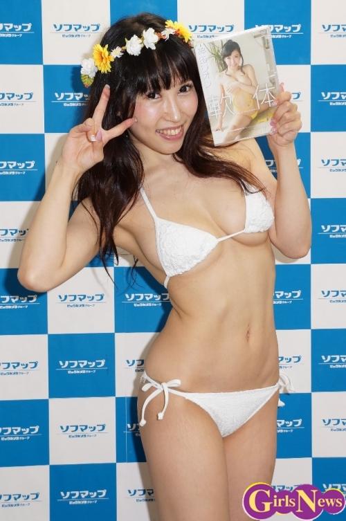 軟体Gカップの神田リオンがグラビアデビュー!「自分の限界を超えて頑張りました!」