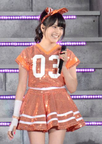 入山杏奈(18) ノコギリ事件から復帰 ギブス姿でダンス 東京ドーム4万2000人が熱狂