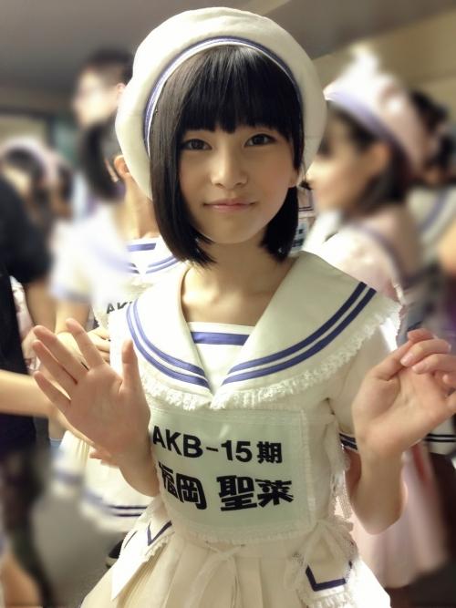 【AKB48】福岡聖菜がコンサート中に転倒して骨折、その後の公演は欠席し「福岡聖菜 生誕祭」は延期