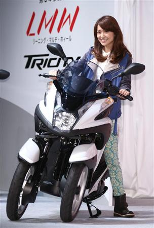 大島優子、CMでバイク運転初披露!「行けるところまで行きたい」とノリノリ