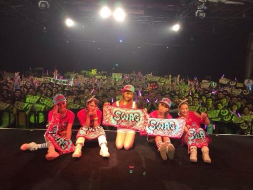 ともちんこと板野友美(23) 海外公演 ファン3000人が熱狂