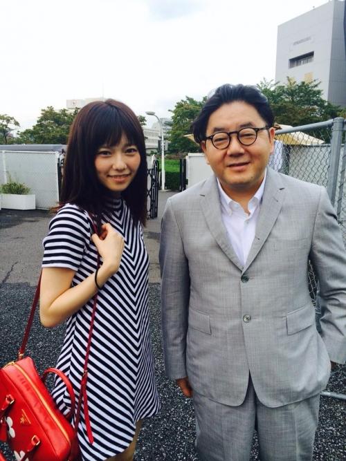 秋元康(56) ぱるる(20) 貴重なツーショットでデート