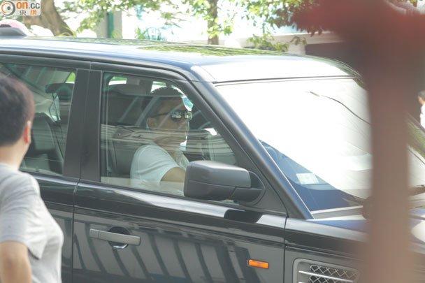 トニーさん@運転中