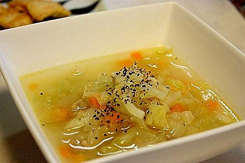 あり合わせ野菜のスープ♪ width=