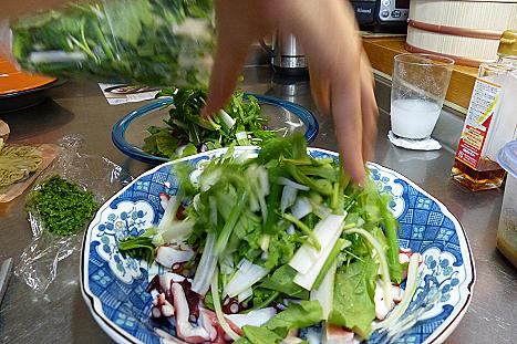 タコに野菜を載せて♪
