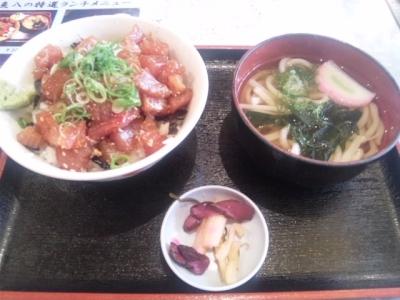 140714魚八商店マグロのづけ丼うどん付き500円