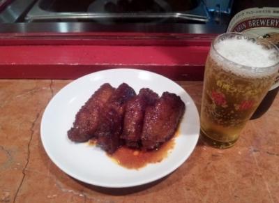 140730味仙本店手羽先450円と瓶ビール(大)580円