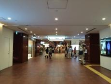 東銀座の駅、歌舞伎座が建て替わってから初めて来た。こんなになってんだな。