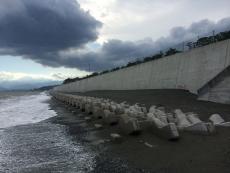 宮古市田老地区の防潮堤はその威容から万里の長城と渾名されているらしいが、これより凄いのだろうか?