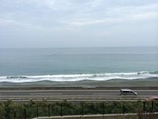一昨日よりだいぶ波が穏やか。