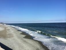 三浦半島の方はなんか空が黒ずんでて、竜王かなんかに支配されてそう。 #海 #海photo