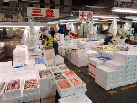 足立市場の鮮魚売場