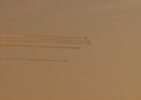 ブルーインパルスの展示飛行の訓練