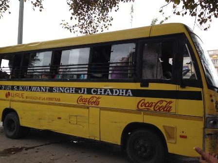 バス到着・・・