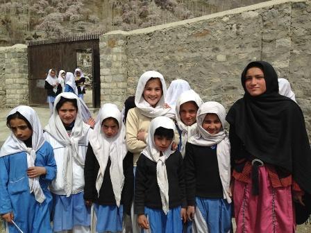 女子小学校の生徒たち