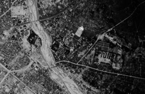 鳥羽見小学校学区19450406陸軍空中写真