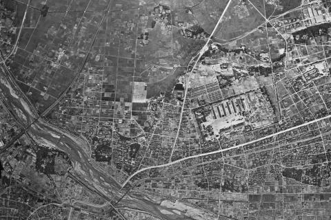 鳥羽見小学校学区19460528米軍空中写真