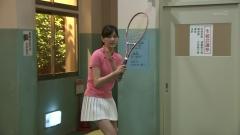 石橋杏奈ミニスカテニスウェア画像3