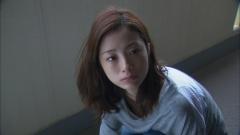 上戸彩昼顔~平日午後3時の恋人たち~胸チラ画像3