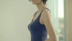 吹石一恵ユニクロ・プラトップおっぱい画像3