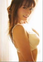 深田恭子ブラジャー横乳画像
