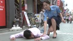 堀北真希婦人警官の脇画像1