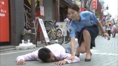 堀北真希婦人警官の脇画像2