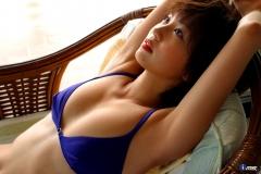 安田美沙子極小ビキニ画像5