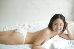 紗綾パンツ1枚セミヌード画像2