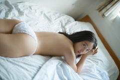 紗綾パンツ1枚セミヌード画像3