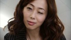 井上和香『極悪がんぼ』谷間画像3