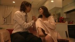 井上和香『極悪がんぼ』谷間画像5