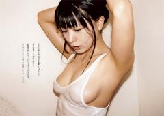 川村ゆきえノーブラ濡れTシャツ画像1