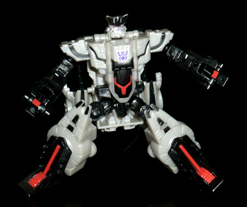 デストロン 真破壊大帝 マスターガルバトロン ロボットモード