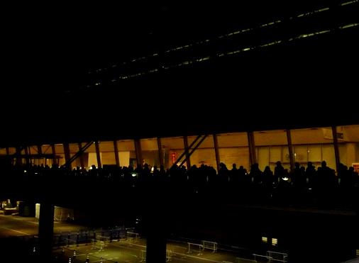 次世代ワールドホビーフェア'11 Winter 入場待機列
