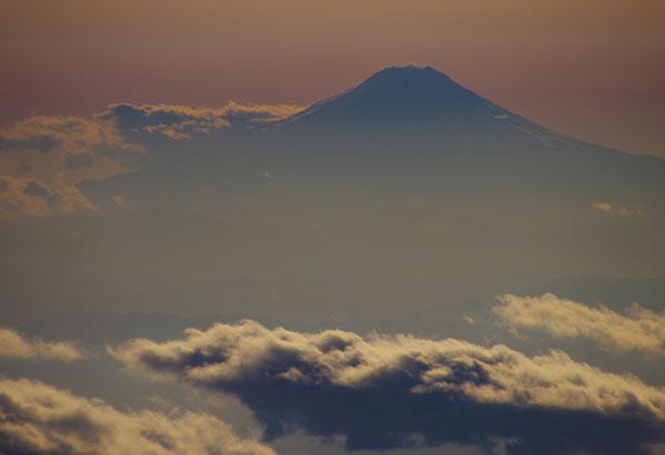 埼玉県上空からの富士山