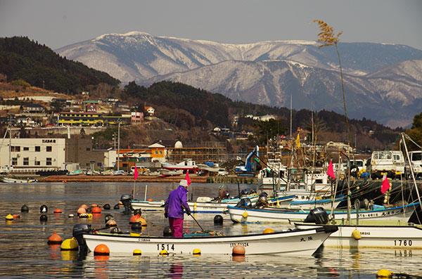 大船渡 細浦漁港と五葉山