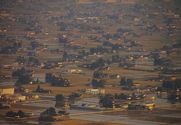 砺波市内の散居村