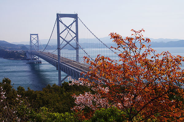 春の鳴門海峡