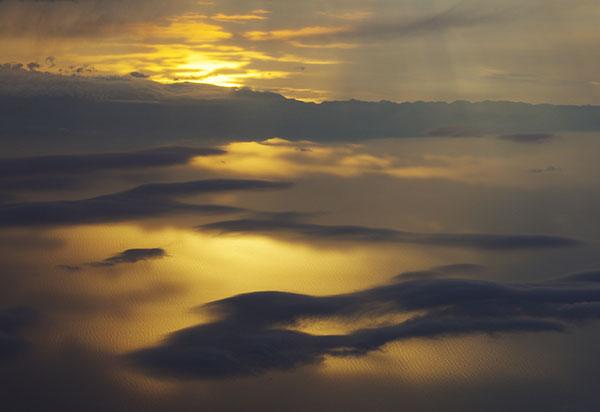 新潟市上空の雲海
