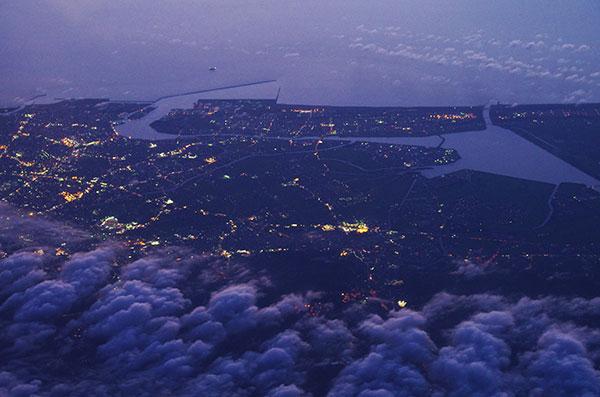 金沢の夜景空撮