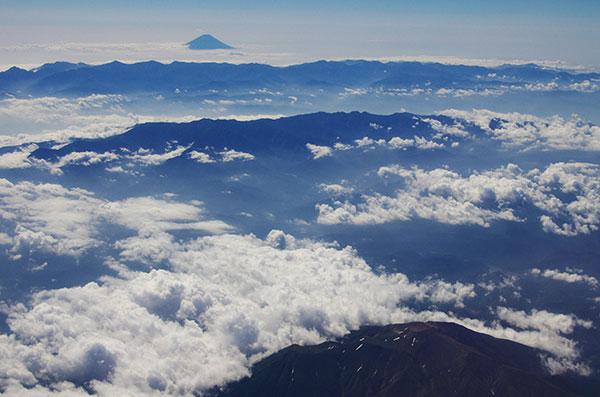 御嶽と富士山