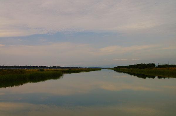 八郎潟干拓地の水路