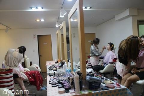 梨大_コマ魔女作業室_photo fix (7)