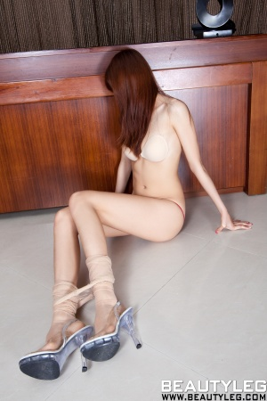 BeautyLeg-910-Minna.jpg